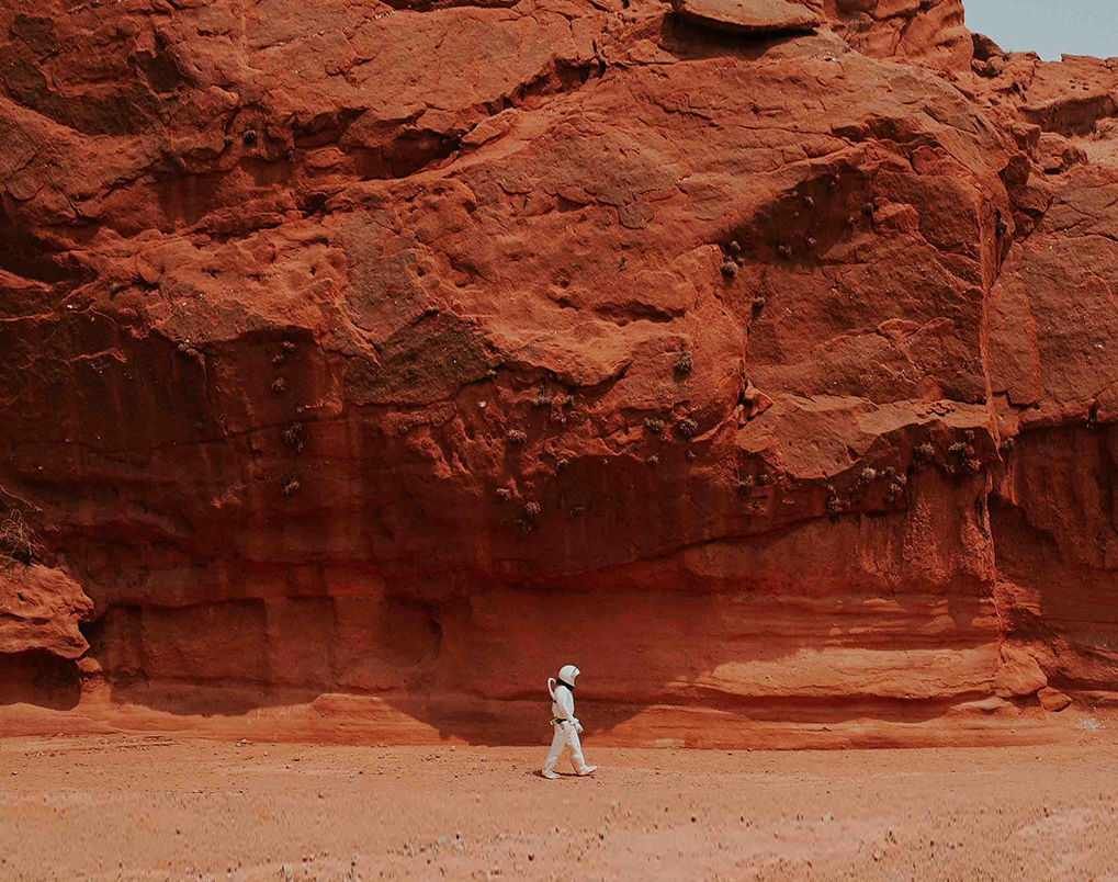 <span>2026</span>SpaceX is planning to take the first human to Mars.